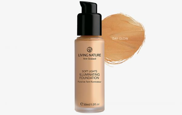 Living Nature schimmerndes Make Up DAY GLOW, 30ml